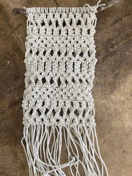 23 Macramé Wall Hanging (3hrs)